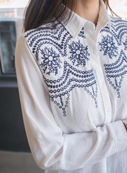 サリー花の刺繍のシャツC030377